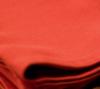 赤色がアクセント・基調になっているベッドコーディネート